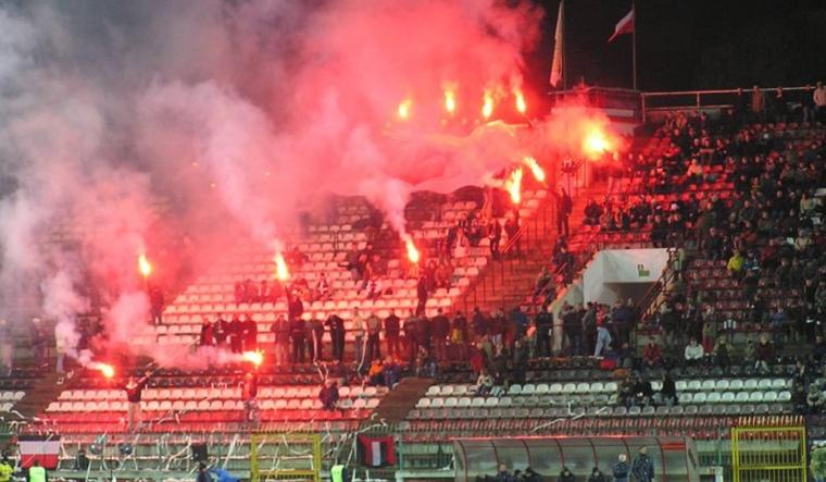Zaostrzenie prawa karnego i penalizacja przestępstw kryminalnych o charakterze rozrób stadionowych