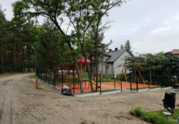 Prośba o doposażenie placu zabaw dla dzieci we wsi Palmiry