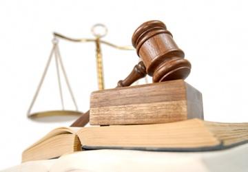 Dwuletnie studia Prawa dla absolwentów Administracji Publicznej.