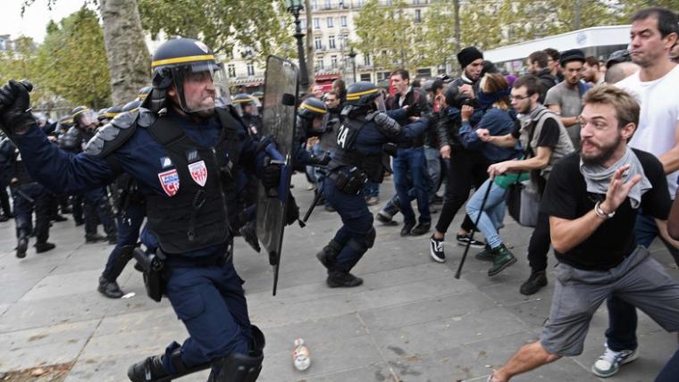Petycja o przeprowadzenie debaty w Parlamencie Europejskim na temat stanu demokracji w Francji